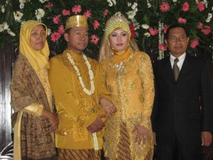 Om Adek-Tante Riska with My Parents